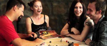 Jogos de tabuleiro continuam no radar de jovens, mesmo em plena era digital