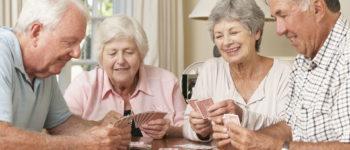 Jogos lúdicos ajudam idosos a trabalhar a concentração e a prevenir sinais do envelhecimento