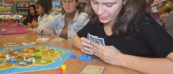Jogos de tabuleiro sobrevivem à era dos smartphones nas escolas